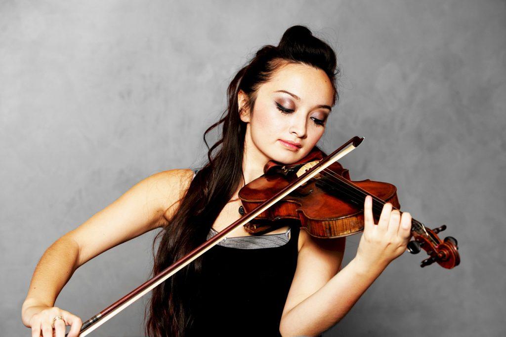 持ち バイオリン 方 弓 ヤマハ