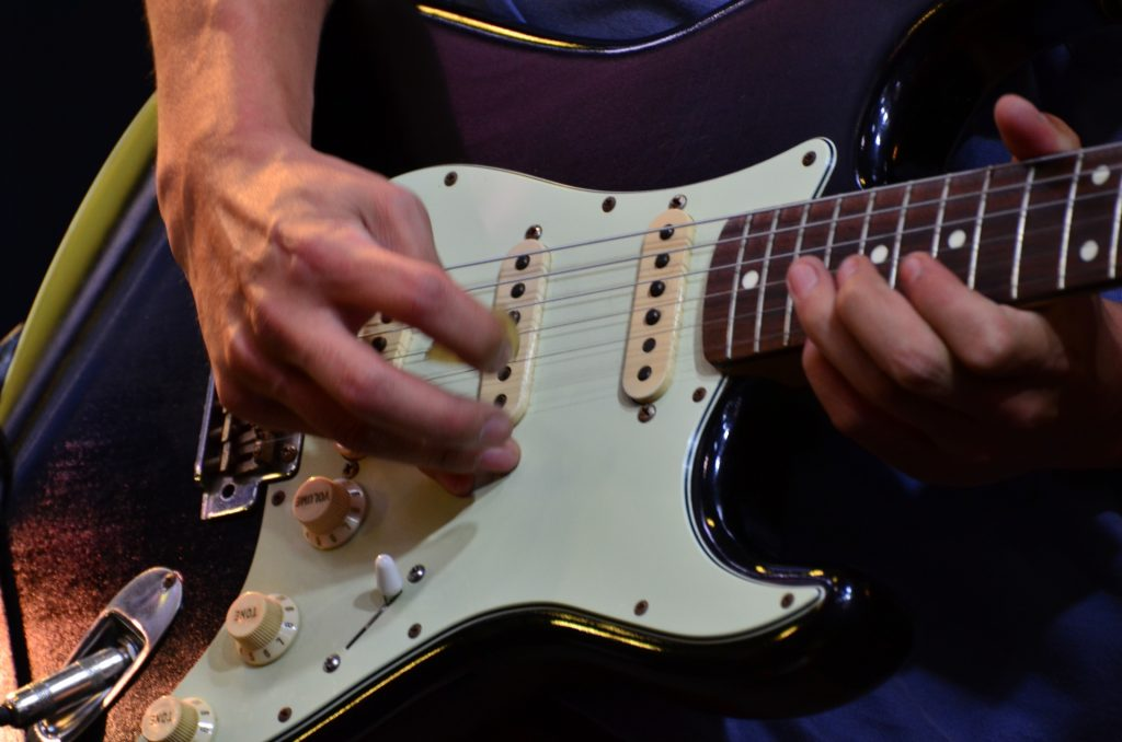 ギターレンタルサービス4社を比較!エレキ・アコギをお得に借りるなら
