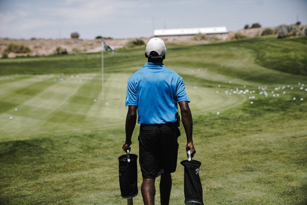 ゴルフ 一人 で 一人予約でゴルフ。30代女性と同じ組になりましたが・・・
