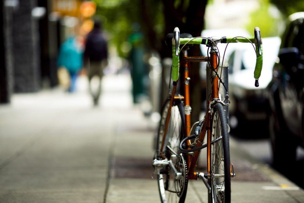 バイク メーカー クロス 人気