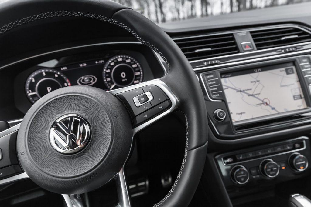 レンタカーでもドライブレコーダーをつけよう!付けるメリットを解説