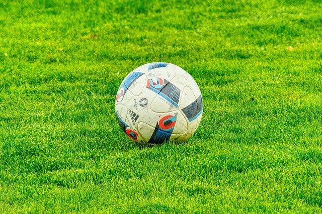 同じスポーツ?ルールから理解するフットサルとサッカーの違い