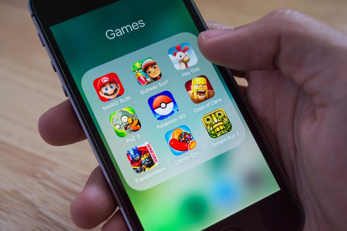 ゲームアプリが並んだスマホ画面