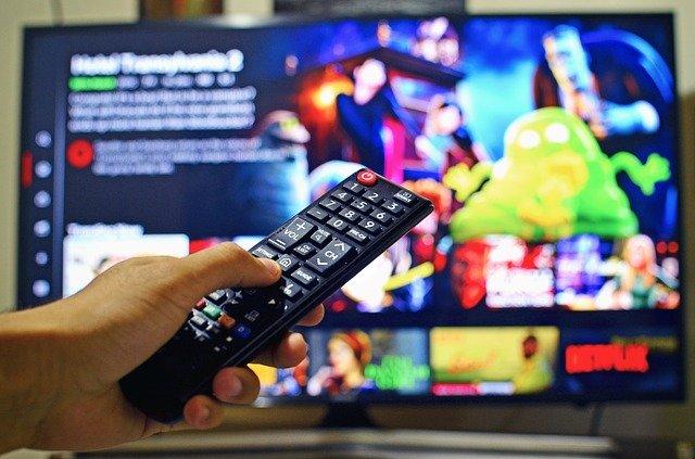 動画配信サービスをテレビで見る方法 デバイスの特徴やメリット・デメリット