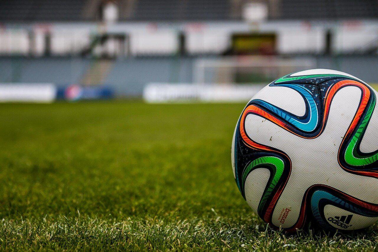 サッカーのトラップ練習方法を解説|種類とおすすめグッズも紹介!