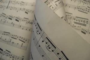 ベースのコード解説|演奏する上で理解するべきコードとは?