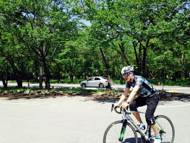 サイクリング初心者の最適な服装は?|夏も冬も快適なサイクルウェアを選ぼう