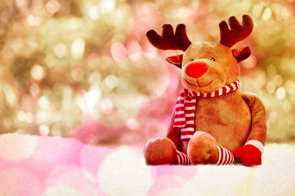 クリスマスに弾きたい聴きたいピアノ曲12選楽譜付伴奏曲も紹介