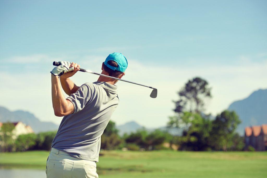 初心者から中級者に人気のゴルフクラブを紹介