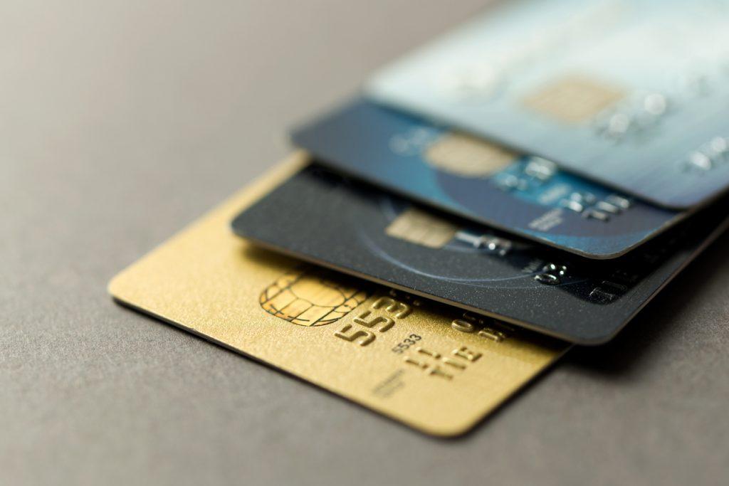 ANAマイルの貯め方と裏技|カード利用やポイントサイトでも