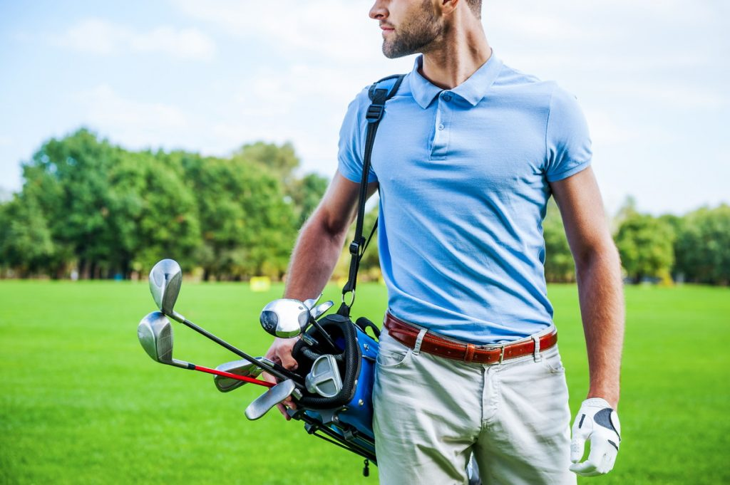 初心者ゴルファーがメンズゴルフウェアを選ぶコツとは?
